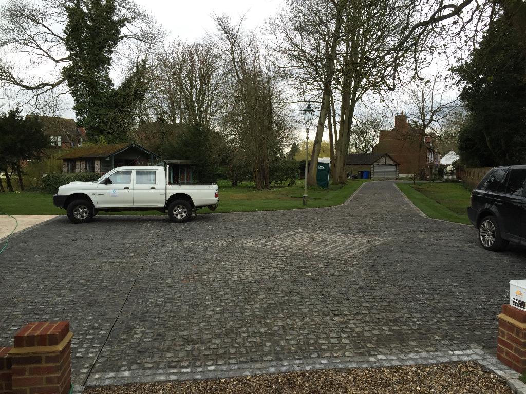 new granite sett driveway in Temple near Marlow