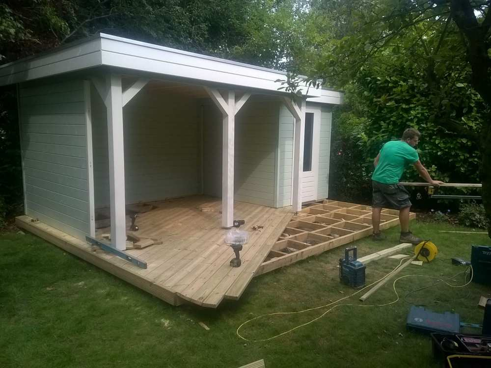 building a residential summer house