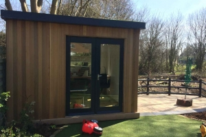 Garden office and cedar decking in Maidenhead